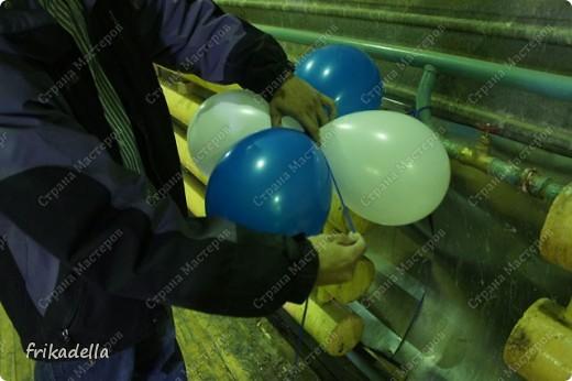 Дорогие друзья! Представляю вашему вниманию иллюстрированный курс по изготовлению гирлянды из воздушных шаров. Нам потребуются шары диаметром 20-25 см (10 или 12 дюймов) фото 13