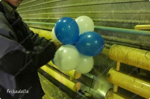 Дорогие друзья! Представляю вашему вниманию иллюстрированный курс по изготовлению гирлянды из воздушных шаров. Нам потребуются шары диаметром 20-25 см (10 или 12 дюймов) фото 14