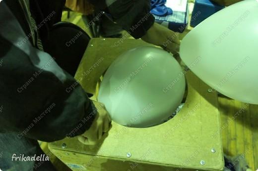 Дорогие друзья! Представляю вашему вниманию иллюстрированный курс по изготовлению гирлянды из воздушных шаров. Нам потребуются шары диаметром 20-25 см (10 или 12 дюймов) фото 4