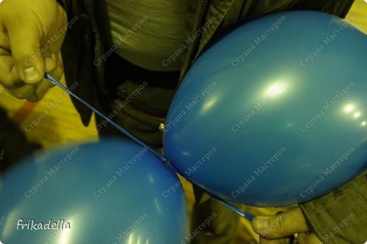 Дорогие друзья! Представляю вашему вниманию иллюстрированный курс по изготовлению гирлянды из воздушных шаров. Нам потребуются шары диаметром 20-25 см (10 или 12 дюймов) фото 6