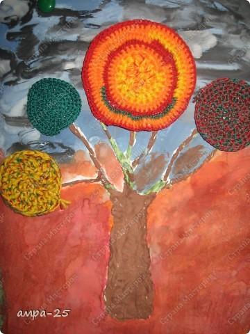 Вот такое вязанное осеннее дерево получилось у нас. фото 2