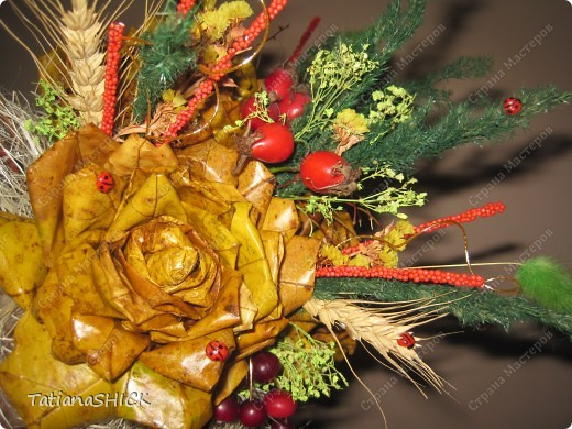 букетики из кленовых листьев фото 3