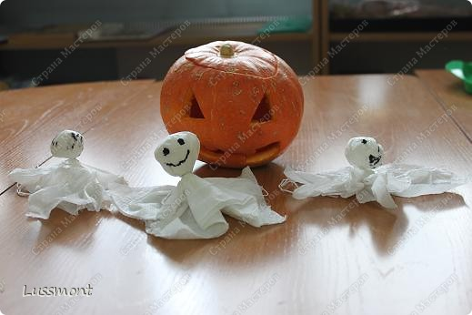 Праздновали мы Хэллоуин в нашей школе 31 октября, но т.к. я готовила МК времени не хватало, чтобы поделиться с вами.   фото 10