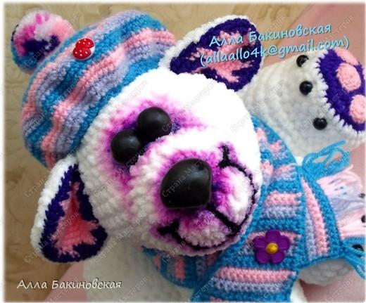 Моя авторская вязаная игрушка: Полярный Медведь. Рост Медведя 30 см. Пряжа плюшевая. Глаза и нос вылеплены из пластики. Идея и работ принадлежат мне, описания на игрушку нет. фото 2