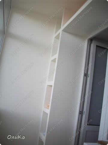 Неделю назад нашла в магазине вот такие картинки - формат А4.... Эффект двух картин, т.е. смотришь под одним углом - плывет черепаха, под другим углом - семья дельфинов.... Мне так они понравились, что я решила задекорировать одну из стен на балконе фото 12