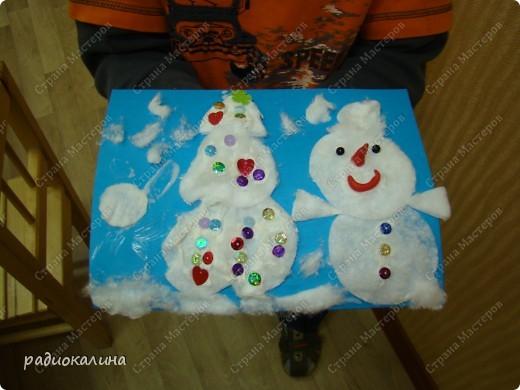 Вот какие предновогодние Снеговик и Елочка поселились в нашей комнате. Они пушистые и такие милые. фото 1