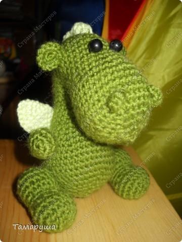 Этого дракончика я связала по описанию Меджик http://www.liveinternet.ru/users/3842675/post171100291/ , за что ей огромное спасибо.  фото 2