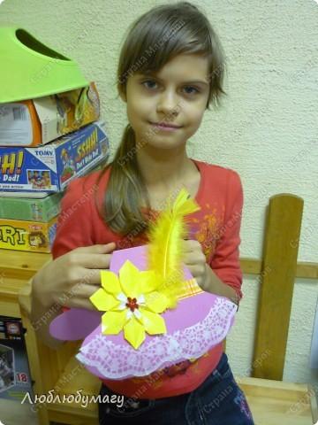 Мастерили мы с детьми 6-11 лет большие открытки-шляпы. Идея использована из блога Татьяны Просняковой.  https://stranamasterov.ru/node/8052 фото 3