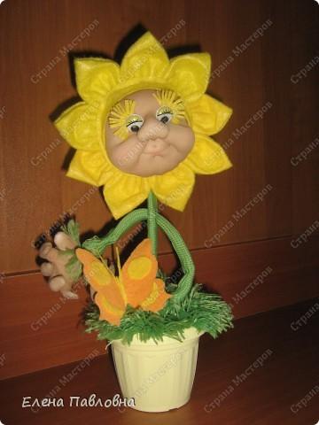 Всем доброго дня!Рада,что зашли в гости!Давно мечтала сделать такой цветок.И вот,наконец-то,он родился!Личико и ручки делала по замечательным мастер-классам pawy.Не перестаю,и не устаю ее благодарить. фото 4