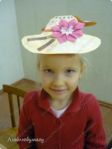 Мастерили мы с детьми 6-11 лет большие открытки-шляпы. Идея использована из блога Татьяны Просняковой.  https://stranamasterov.ru/node/8052 фото 8