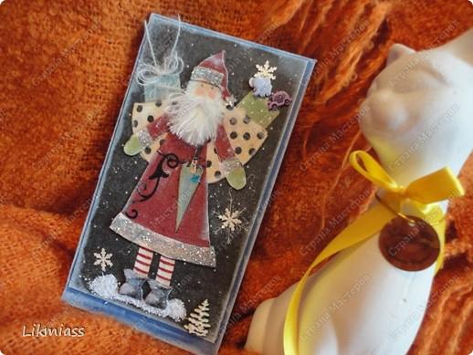 """Поставлю и этого красавца в задание СкрапМагии """"Новый год"""" Там столько красивостей, может, ему придется там по душе http://scrapmagia-ru.blogspot.com/2011/11/blog-post_23.html  Вот такой неожиданно ангельский  дед Мороз он же Санта Клаус появился на свет для маленького трогательного мальчика, который видит мир через призму своего счастливого детства, широко раскрытыми глазами . фото 8"""