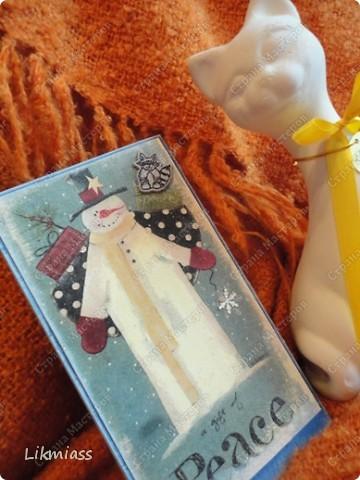 """Поставлю и этого красавца в задание СкрапМагии """"Новый год"""" Там столько красивостей, может, ему придется там по душе http://scrapmagia-ru.blogspot.com/2011/11/blog-post_23.html  Вот такой неожиданно ангельский  дед Мороз он же Санта Клаус появился на свет для маленького трогательного мальчика, который видит мир через призму своего счастливого детства, широко раскрытыми глазами . фото 15"""