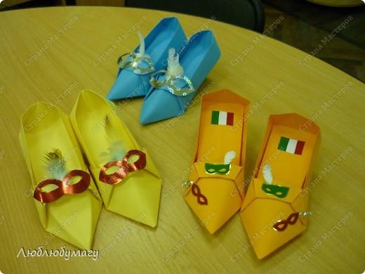 """Коллекцию """"итальянской"""" обуви создавали дети 8-12 лет. фото 1"""