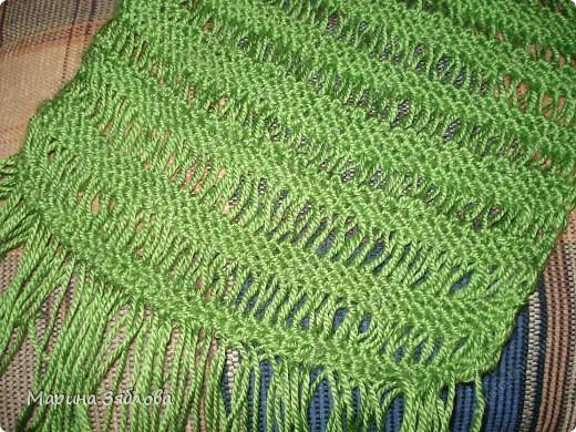 Добрый день . Давно хотела ажурный шарфик , и вот наконец-то он у меня есть . Вяжется очень просто . Результат мне очень нравится ))) фото 2