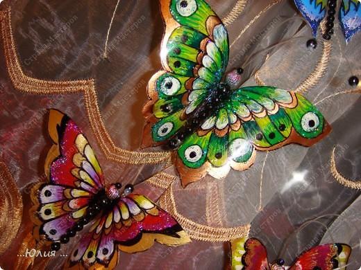 бабочки сделаны из пластиковых бутылочек... фото 3