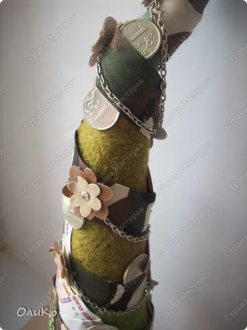 Елка сваляна из 100% шерсти сухим способом, декорирована лентой, настоящими монетами и фальшивыми купюрами Высота 41,3см с подставкой 41,8см фото 7