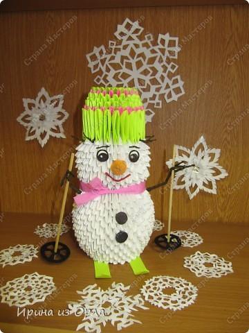 """""""Когда же будет снег?"""" - спрашивает каждое утро дочка, выглядывая на улицу из окна. Ей так не терпится слепить снеговика! А зима все не идет, да не идет... И тут нам с доченькой пришла в голову идея - слепить снеговичка ..... из модулей. фото 1"""
