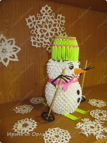 """""""Когда же будет снег?"""" - спрашивает каждое утро дочка, выглядывая на улицу из окна. Ей так не терпится слепить снеговика! А зима все не идет, да не идет... И тут нам с доченькой пришла в голову идея - слепить снеговичка ..... из модулей. фото 4"""