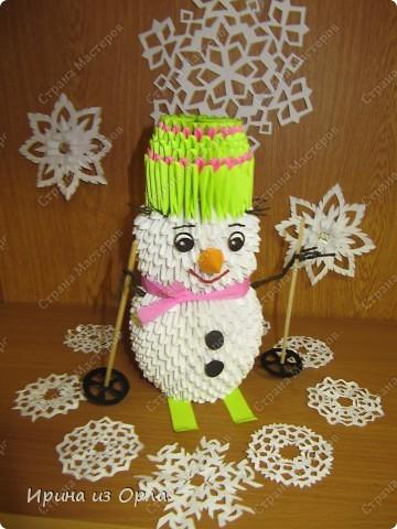 """""""Когда же будет снег?"""" - спрашивает каждое утро дочка, выглядывая на улицу из окна. Ей так не терпится слепить снеговика! А зима все не идет, да не идет... И тут нам с доченькой пришла в голову идея - слепить снеговичка ..... из модулей. фото 5"""