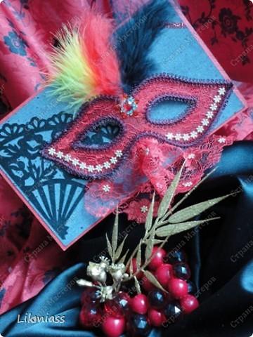 """Здравствуйте, здравствуйте, здравствуйте. Сегодня у нас обещанная новогодняя ночь в красном. И я попробую поучаствовать с ней еще и в задании """"Новый год"""" в блоге СкрапМагия вот здесь http://scrapmagia-ru.blogspot.com/2011/11/blog-post_23.html . Мы с вами выбираем цвет новогодней ночи. Что же о красном? Красный цвет олицетворяет могущество, прорыв, он всегда добивается того, чего хочет. Он всегда в движении, всегда источник энергии. Красный цвет любит быть первым, но не всегда может им быть.  Красный  символизирует страсть, возбуждает страстность, т.е. страстно любит, страстно ненавидит и страстно верит.  Так по-русски, наотмашку. фото 2"""