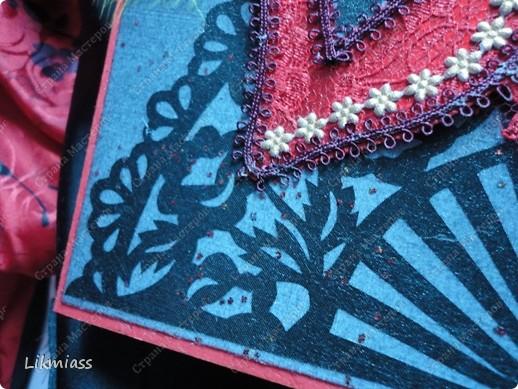 """Здравствуйте, здравствуйте, здравствуйте. Сегодня у нас обещанная новогодняя ночь в красном. И я попробую поучаствовать с ней еще и в задании """"Новый год"""" в блоге СкрапМагия вот здесь http://scrapmagia-ru.blogspot.com/2011/11/blog-post_23.html . Мы с вами выбираем цвет новогодней ночи. Что же о красном? Красный цвет олицетворяет могущество, прорыв, он всегда добивается того, чего хочет. Он всегда в движении, всегда источник энергии. Красный цвет любит быть первым, но не всегда может им быть.  Красный  символизирует страсть, возбуждает страстность, т.е. страстно любит, страстно ненавидит и страстно верит.  Так по-русски, наотмашку. фото 3"""