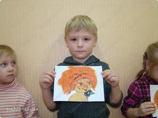 """Вот и наступил у """"Антошки """" день рождения и решили мы с ребятами подарить Антошке его портреты. Дима очень старательно выполнял задание и такой портрет у него получился. фото 1"""