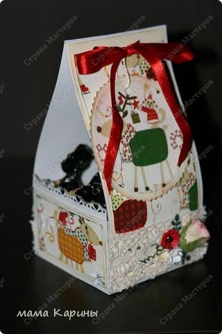 Приветствую всех заглянувших мастериц в гости!!!! сегодня я к вам с НГ коробочкой для конфет (идея не моя подсмотрена в инете...шаблона не было пришлось придумывать самой) размеры основания 9*9 см высота см 17 фото 8