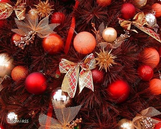 """Здравствуйте, здравствуйте, здравствуйте. Сегодня у нас обещанная новогодняя ночь в красном. И я попробую поучаствовать с ней еще и в задании """"Новый год"""" в блоге СкрапМагия вот здесь http://scrapmagia-ru.blogspot.com/2011/11/blog-post_23.html . Мы с вами выбираем цвет новогодней ночи. Что же о красном? Красный цвет олицетворяет могущество, прорыв, он всегда добивается того, чего хочет. Он всегда в движении, всегда источник энергии. Красный цвет любит быть первым, но не всегда может им быть.  Красный  символизирует страсть, возбуждает страстность, т.е. страстно любит, страстно ненавидит и страстно верит.  Так по-русски, наотмашку. фото 12"""