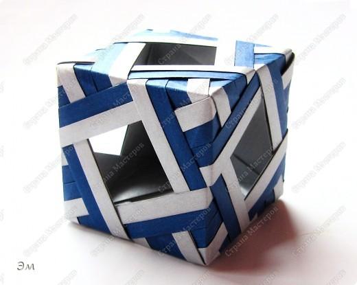 короче говоря............ была у меня мечта, а как известно, мечтам свойственно сбываться)  и вот она осуществилась, принимайте результат)) хочу предупредить сразу,фотографий будет много, очень много))  Columbus Cube (20+60) Designer: David Mitchell Parts: 480  Paper:6*6,3*3 cm  Final: 15 cm  фото 22