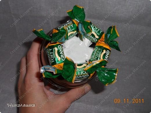 Увидела однажды в интернете ананас из конфет и заболела! Стала интересоваться как это делается, и что это за техника и что еще можно сотворить из конфет.  Оказалось, что это свит-дизайн, который покорил и захлестнул меня всецело!  фото 7