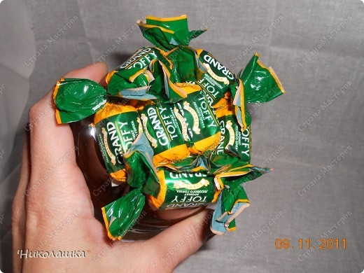 Увидела однажды в интернете ананас из конфет и заболела! Стала интересоваться как это делается, и что это за техника и что еще можно сотворить из конфет.  Оказалось, что это свит-дизайн, который покорил и захлестнул меня всецело!  фото 8