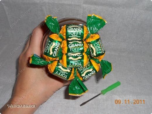 Увидела однажды в интернете ананас из конфет и заболела! Стала интересоваться как это делается, и что это за техника и что еще можно сотворить из конфет.  Оказалось, что это свит-дизайн, который покорил и захлестнул меня всецело!  фото 9