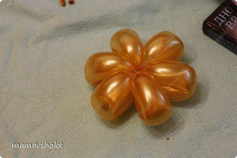 Будем делать такой букетик - из 17 золотых ромашек с бабочкой-бантом и украшением фото 10