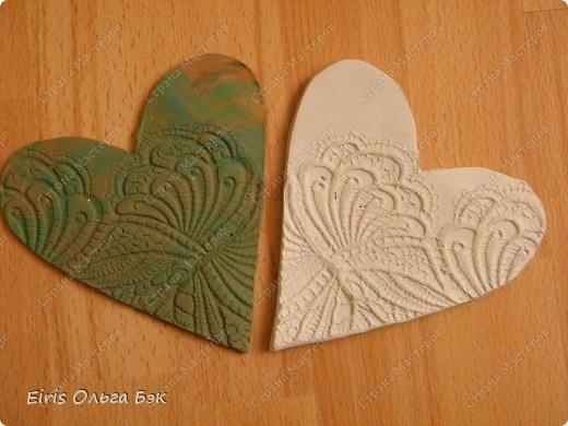 Вот такие сердечки у меня получились из гипса при помощи пластилиновых отпечатков. фото 10