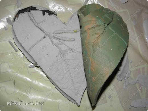 Вот такие сердечки у меня получились из гипса при помощи пластилиновых отпечатков. фото 6