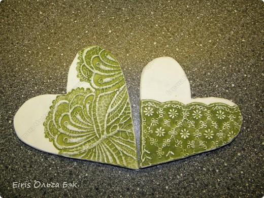 Вот такие сердечки у меня получились из гипса при помощи пластилиновых отпечатков. фото 9