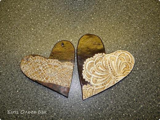 Вот такие сердечки у меня получились из гипса при помощи пластилиновых отпечатков. фото 12