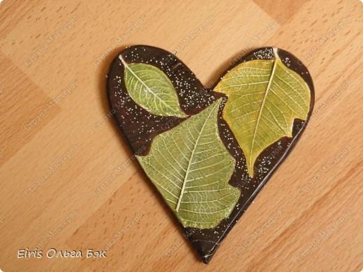 Вот такие сердечки у меня получились из гипса при помощи пластилиновых отпечатков. фото 7