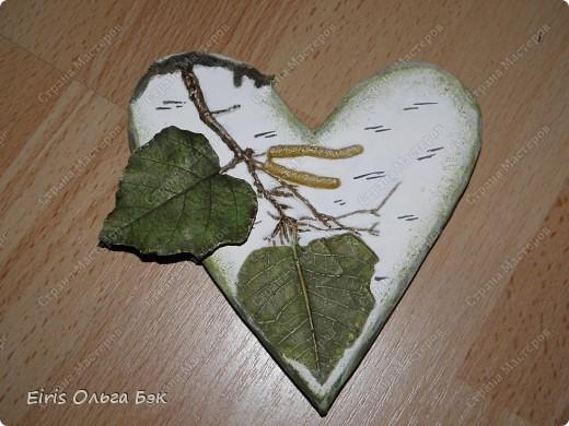 Вот такие сердечки у меня получились из гипса при помощи пластилиновых отпечатков. фото 2