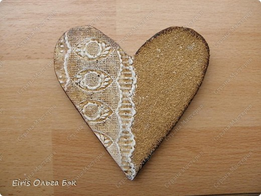 Вот такие сердечки у меня получились из гипса при помощи пластилиновых отпечатков. фото 15