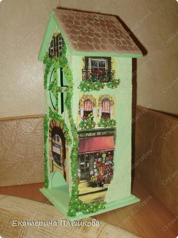Вот такой домик для чая я сделала в подарок. Предлагаю Вам тоже попробовать сделать. Чудный подарок.
