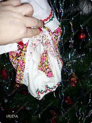 На этот новый год я хотела сделать подарки своими руками. Так родилась идея сшить пакетницы.  В такой технике я работала впервые и мне очень понравилось. Трудности возникали на каждом этапе(особенно с руками). Но увидев радость на лицах своих близких-я поняла,что это того стоило. фото 2