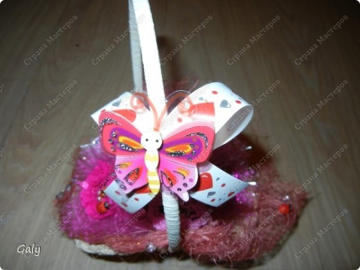 В преддверии 8 марта попросили меня сделать парочку сладких корзиночек фото 3