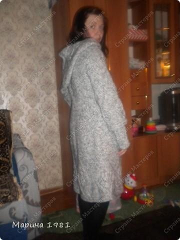 Пальто связано для сестры, поэтому мне немного великовато фото 2