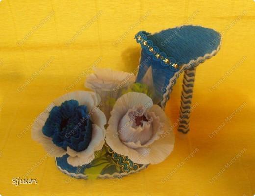 """""""Туфелькомания"""" не обошла стороной и меня... Такие туфельки получились у меня в качестве сладких презентиков на 8 марта :)  фото 1"""
