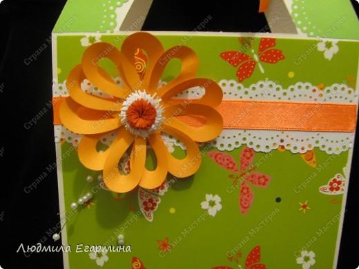 Представляю вашему вниманию сумочку-открытку с презентом на 8 марта. фото 3
