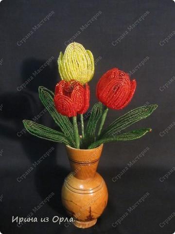 Для своей любимой мамочки торопилась сплести букет тюльпанов. УСПЕЛА! Она была в восторге от такого подарка!  фото 1