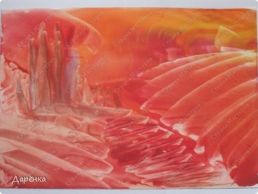 Поигралась с красными тонами, получились такие немного фантастические картинки. Мама сказала, что это картинки  Марса, поэтому так и назвали. фото 1