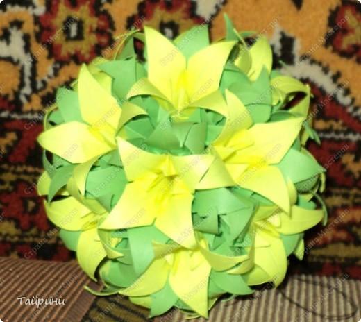 Эту лилию увезут в Питер,как подарок для мамы :) фото 2