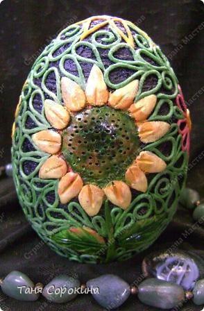 И снова яйца! Мы  со старшей группой моей студии тоже творим пасхальные яйца в пейп-арте. И сегодня я вам покажу некоторые из них. фото 8